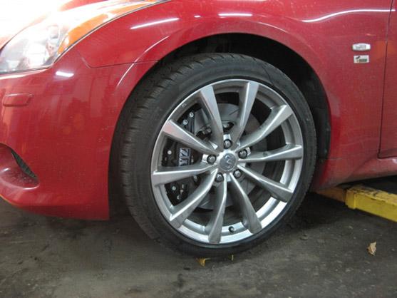 Общий вид с установленным колесом R19.