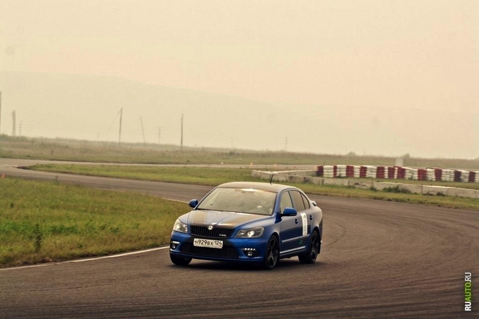 Skoda Octavia RS. Тормоза XYZ 6pot